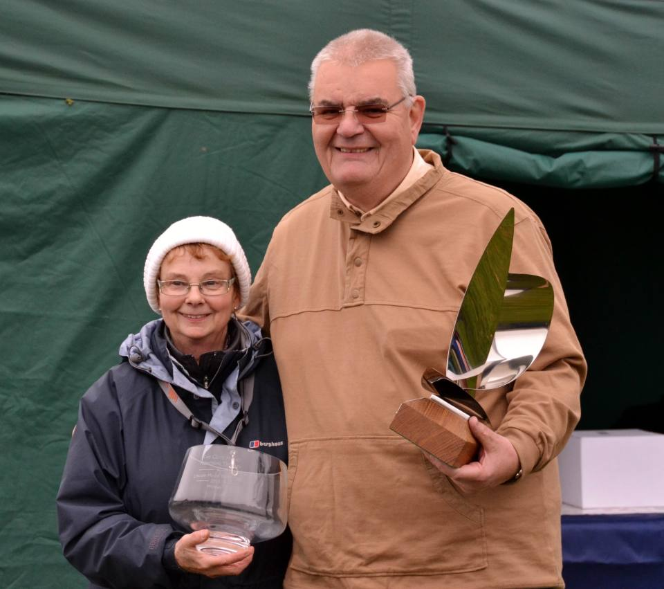 Jen Hand with Dave Thomas, Winner of the 2015 Clive Hand Memorial Trophy